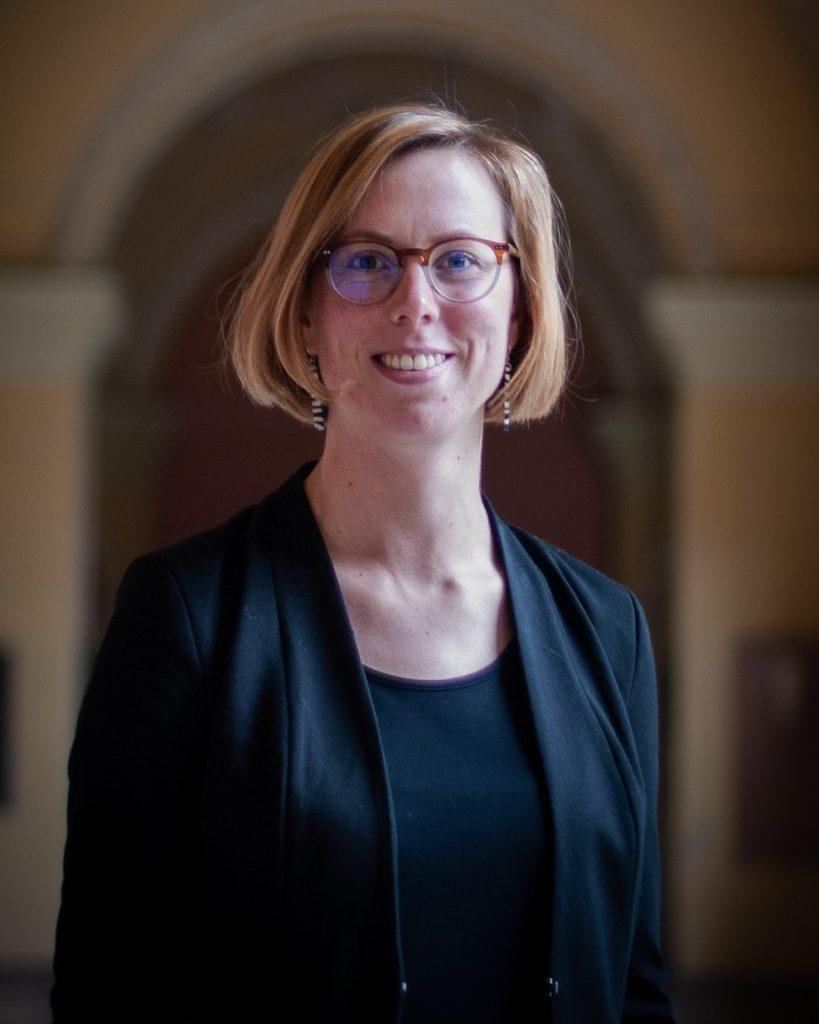 Dr. Judith Martens